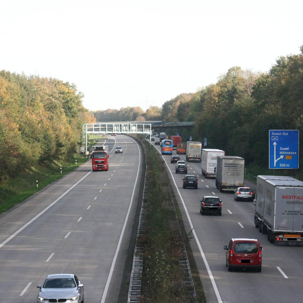 Autobahn A44 Stau